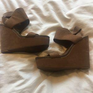 Vince Camuto Wedge Sandal - Beige (US Size 9)